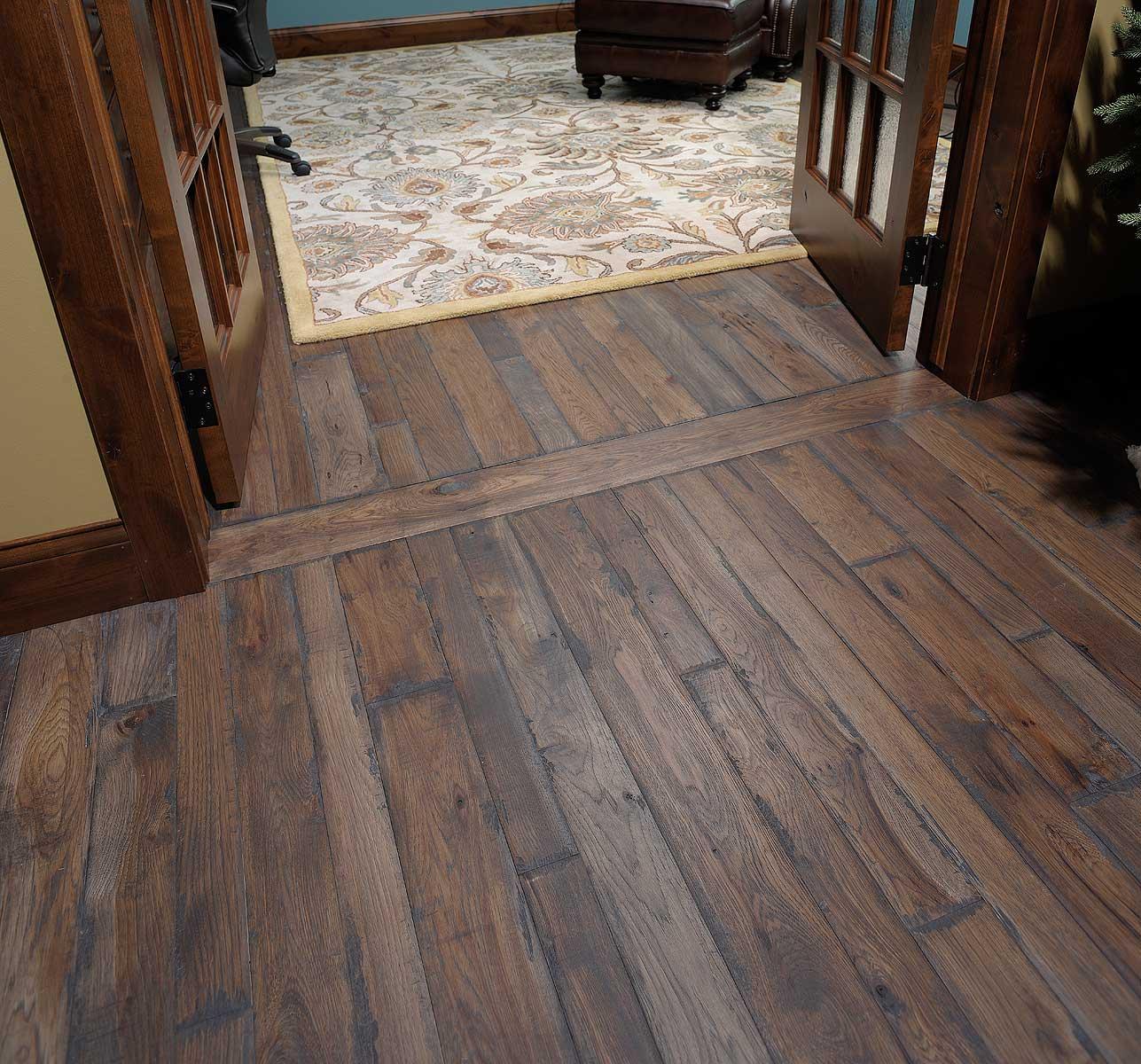 Click Wood Flooring Installation: Glacier On Hickory Custom Hardwood Flooring Installation